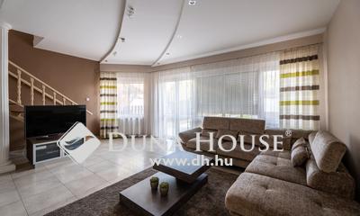 Eladó Ház, Bács-Kiskun megye, Kecskemét, Belvárosban, nappali+3 szobás, felújított ház