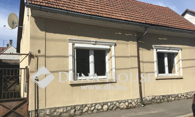 Eladó Ház, Somogy megye, Kaposvár, Vasvári Pál utca