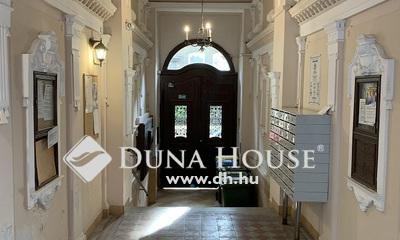 Eladó Lakás, Budapest, 8 kerület, Szentkirályi utca - ERKÉLYES - szép házban