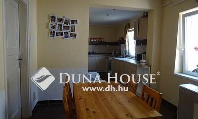 Eladó Ház, Bács-Kiskun megye, Kecskemét, Belváros közelében eladó családi ház