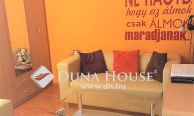 Eladó Lakás, Budapest, 20 kerület, Központhoz közel felújított panel