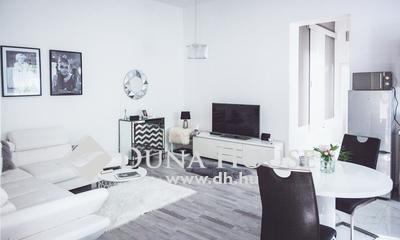 Eladó Lakás, Baranya megye, Pécs, Belvárosban felújított lakás eladó!