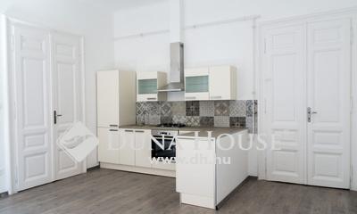 Eladó Lakás, Budapest, 6 kerület, Andrássy út közelében, 2+1 fél szobás felújított!