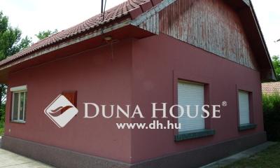 Eladó Ház, Pest megye, Nagykáta, csendes, rendezett környék külterület