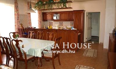 Eladó Ház, Pest megye, Vecsés, Market Central közelében