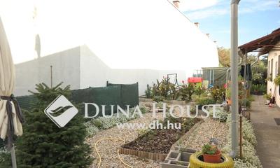 Eladó Ház, Budapest, 20 kerület, 5 lakásos házból, kb. 200nm telekrésszel