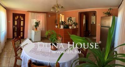 Eladó Ház, Budapest, 19 kerület, Bozsik Stadion mellett, 3 generációs, jó állapotú
