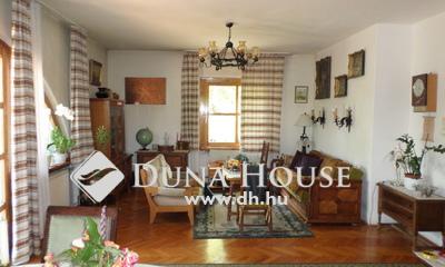 Eladó Ház, Budapest, 12 kerület, KÚTVÖLGYBEN CSALÁDIHÁZ DUPLA GARÁZZSAL