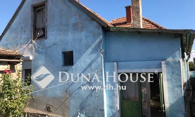 Eladó Ház, Győr-Moson-Sopron megye, Győr, Újváros csendes utcájában