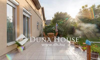 Eladó Ház, Budapest, 19 kerület, Wekerle szélén 5 szoba + 2 nappalis családi ház