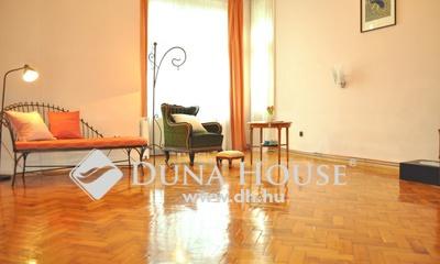 Eladó Lakás, Budapest, 1 kerület, +++Váralján 2 szobás, utcai nézetű lakás+++