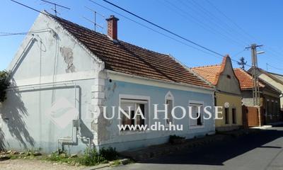 Eladó Ház, Veszprém megye, Tapolca, Felújítandó családi ház a Malom-tó közelében