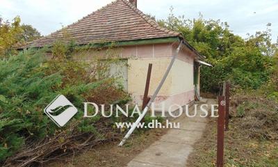 Eladó Ház, Komárom-Esztergom megye, Bakonybánk, nyugodt, csendes külterület