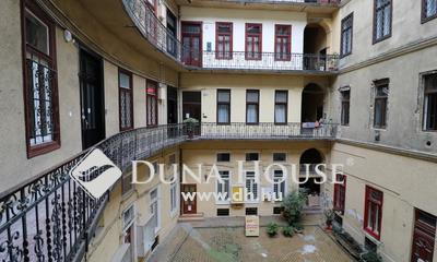 Eladó Lakás, Budapest, 7 kerület, Erkélyes,2 szobás nagypolgári lakás4 m.belmagasság