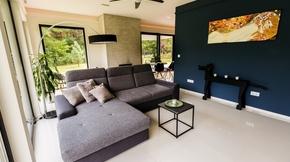 Eladó ház, Kecskemét, Különleges meghittséget árasztó minimalista ház