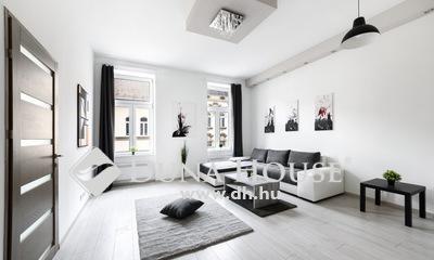 Eladó Lakás, Budapest, 7 kerület, Rózsák terénél felújított két szobás lakás