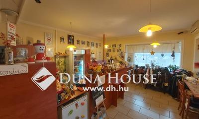 Eladó üzlethelyiség, Komárom-Esztergom megye, Mocsa, M1 Autópálya 83. kilóméterszelvény