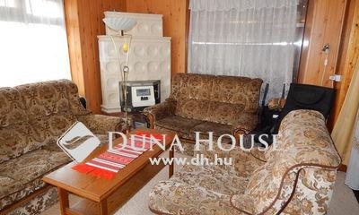 Eladó Ház, Somogy megye, Siófok, belváros közeli tágas ikerfél