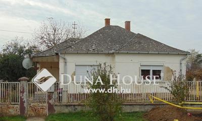 Eladó Ház, Győr-Moson-Sopron megye, Gyömöre, központban, csendes utcában