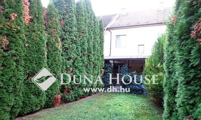 Eladó Ház, Pest megye, Vác, Deákvár 5 szobás, kertes sorház