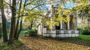 Eladó ház, Balatonederics,  Romantikus XVIII. századi kúria gyönyörű parkkal
