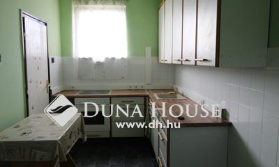 Eladó Lakás, Komárom-Esztergom megye, Tatabánya, Központi helyen