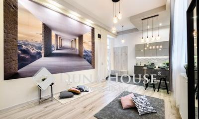 Eladó Lakás, Budapest, 6 kerület, Andrássy út közelében luxus lakás -szép ház