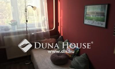 Eladó Lakás, Budapest, 20 kerület, Pompás kis lakás, egy festés és költözhet!