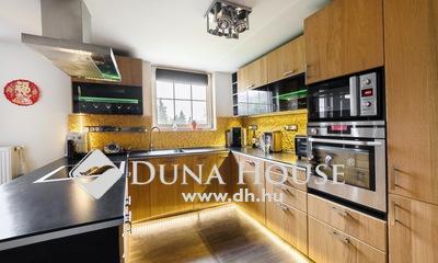 Eladó Ház, Budapest, 2 kerület, felújított, modern családi ház