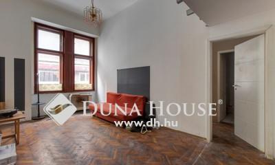 Eladó Lakás, Budapest, 8 kerület, Orczy tér közelében felújítandó két szobás lakás
