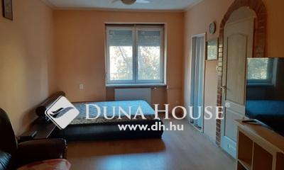 Eladó Lakás, Budapest, 10 kerület, Pöttyös utcai metrónál, tégla házban
