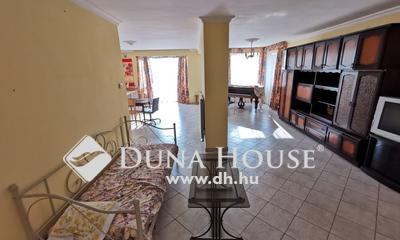 Eladó Ház, Budapest, 20 kerület, 2 lakásos családi ház