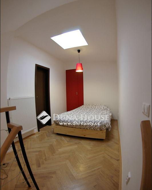 Prodej bytu, Velehradská, Praha 3 Vinohrady