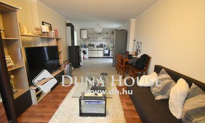 Eladó Ház, Bács-Kiskun megye, Tiszakécske, Nappali + 1 szobás felújított családi ház