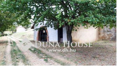 Eladó Ház, Baranya megye, Almamellék, Templom közeli