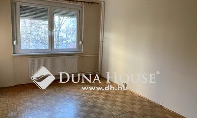 Eladó Lakás, Komárom-Esztergom megye, Tatabánya, Újvárosi, első emeleti lakás