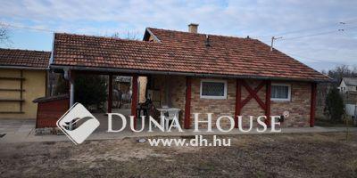 Eladó Ház, Bács-Kiskun megye, Kecskemét, Hetényegyháza előtt, takaros kis ház