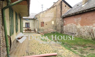 Eladó Ház, Budapest, 19 kerület, Akár két generációnak is! Hitelezhető!