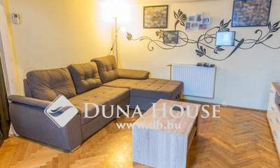 Eladó Lakás, Budapest, 6 kerület, Jó állapotú, világos garzon, teljes bútorzattal