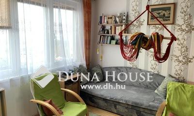 Eladó Lakás, Komárom-Esztergom megye, Oroszlány, jó környéken, mindenhez közeli lakás
