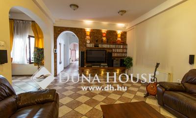 Eladó Ház, Budapest, 19 kerület, 2000-ben épült, öt szobás ház jó közlekedéssel