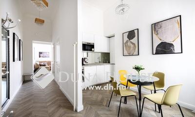 Eladó Lakás, Budapest, 5 kerület, Sas utcában LIFTES, GYÖNYÖRŰ házban LUXUSLAKÁS