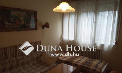 Eladó Lakás, Pest megye, Gödöllő, Központban 2 szobás első emeleti