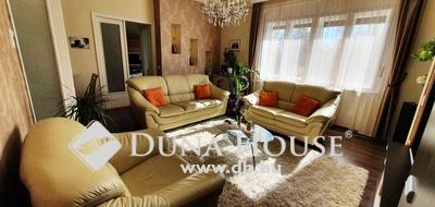 Eladó Ház, Jász-Nagykun-Szolnok megye, Jászberény, 102 m2-es belvárosi lakás garázzsal és kerttel