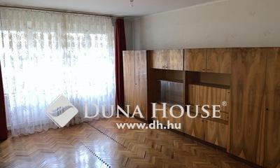 Eladó Lakás, Komárom-Esztergom megye, Tatabánya, Csendes környéken földszinti lakás!