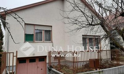 Eladó Ház, Jász-Nagykun-Szolnok megye, Jászberény, Központ közeli zsákutca.