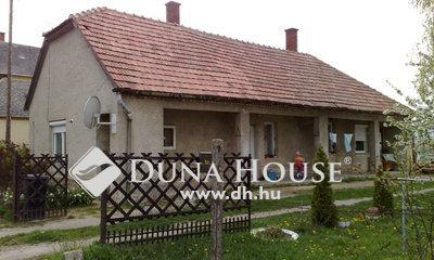 Eladó Ház, Veszprém megye, Nagyesztergár, Radnóti Miklós utca