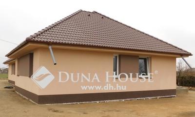 Eladó Ház, Hajdú-Bihar megye, Mikepércs, Déli rész, új építésű házak környezetében