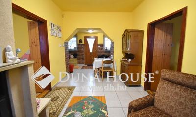 Eladó Ház, Pest megye, Nagykőrös, Felújított nappali + 2 szobás ház jó helyen