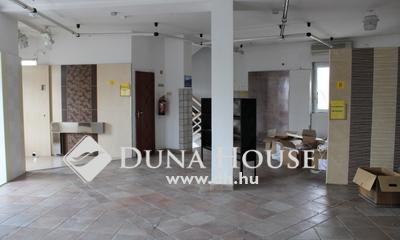 Eladó üzlethelyiség, Budapest, 3 kerület, Csillaghegy jól elérhető utcájában